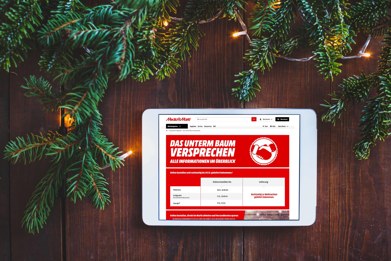 Die Weihnachtsgeschenke.Mit Dem Mediamarkt Unterm Baum Versprechen Kommen Die