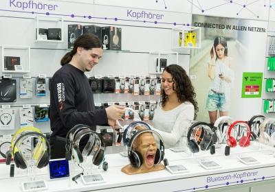 Saturn Connect Trier Kopfhörer